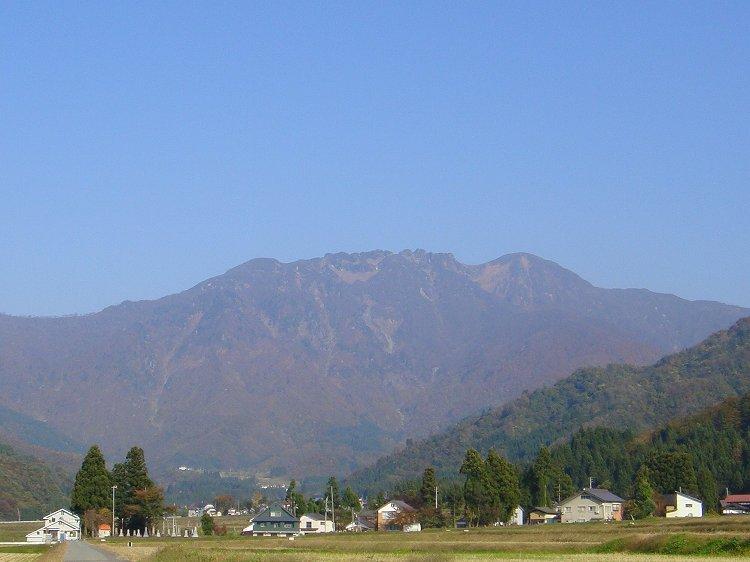 日本一おいしい水を与えてくれる八海山